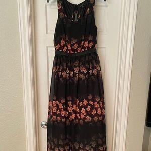 Beautiful Jessica Simpson maxi dress